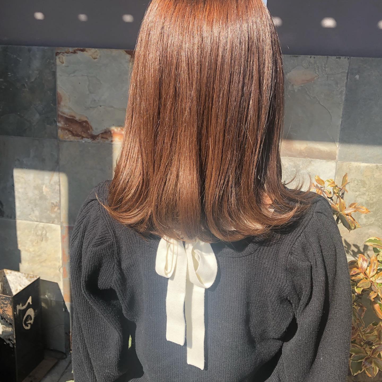 4stepトリートメントで伸ばし中の髪の毛もツヤツヤに.毛先ワンカールするだけで、肩でハネてしまう髪の毛も かわいくなります♡..スタイリスト 松本沙也.#宇都宮#美容室#宇都宮美容室#駅東#mayquark#メイクォーク#カット#カラー#カラーカット#ミディアムヘア #ハイライト#パーマ#ストレート#ストレートパーマ#縮毛矯正#トリートメント#シャンプー#ブロー#ヘアスタイル#ヘア#ヴィーガン#ヴィーガンカラー#hue#hueカラー#コスメパーマ#トゥーコスメ#アジュバン#サイエンスアクア#髪質改善