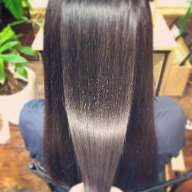 髪質改善︎サイエンスアクアちょっとダメージのあるクセ毛を改善中。今回は2回目。まだまだ良くなります!スタイリスト 本間直樹#宇都宮#美容室#宇都宮美容室#駅東#mayquark#メイクォーク#カット#カラー#カラーカット#ブリーチ#ハイライト#パーマ#ストレート#ストレートパーマ#縮毛矯正#トリートメント#シャンプー#ブロー#ヘアスタイル#ヘア#ヴィーガン#ヴィーガンカラー#hue#hueカラー#コスメパーマ#トゥーコスメ#アジュバン#サイエンスアクア#髪質改善